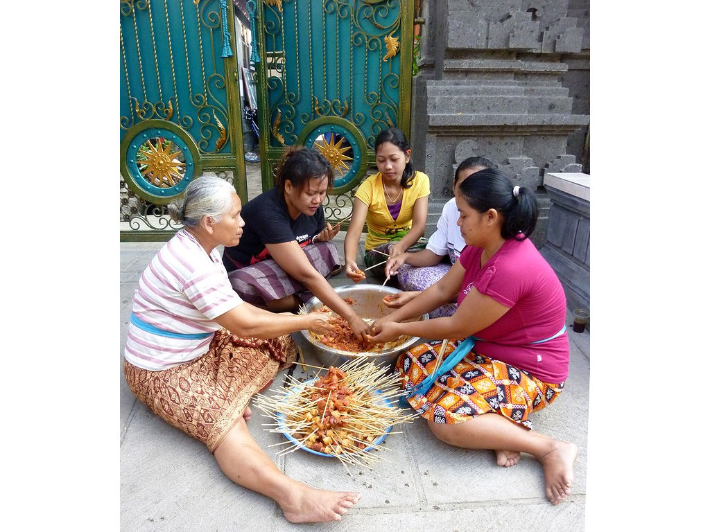 sate-sticks-women.jpg