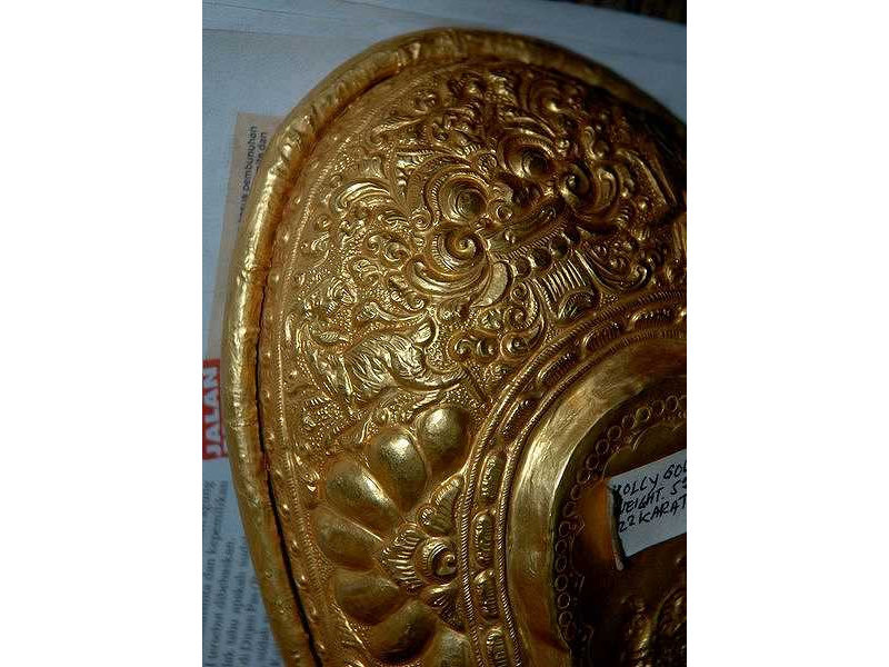 lelancang-gold-goat-ogre'shead-ornament.jpg