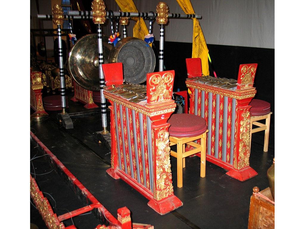 jublag-gong-kebyar-Banyuatis-plastic-tubes.jpg