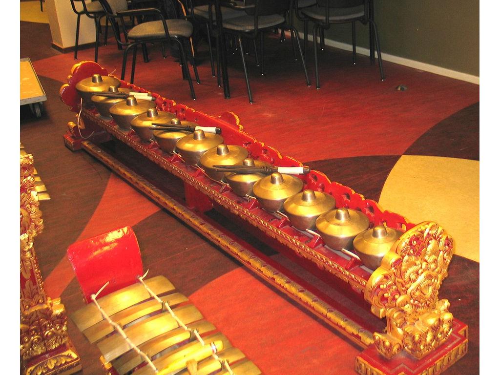 reong-12-gong-kebyar-Z.Bali_.jpg