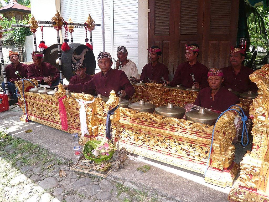 trompong-reyong-gong-dewa-Baturiti-08.jpg