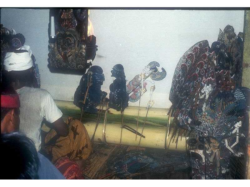 gunungan-nbali-twalen-mredah-idabgsgede-sukasada-1973.jpg
