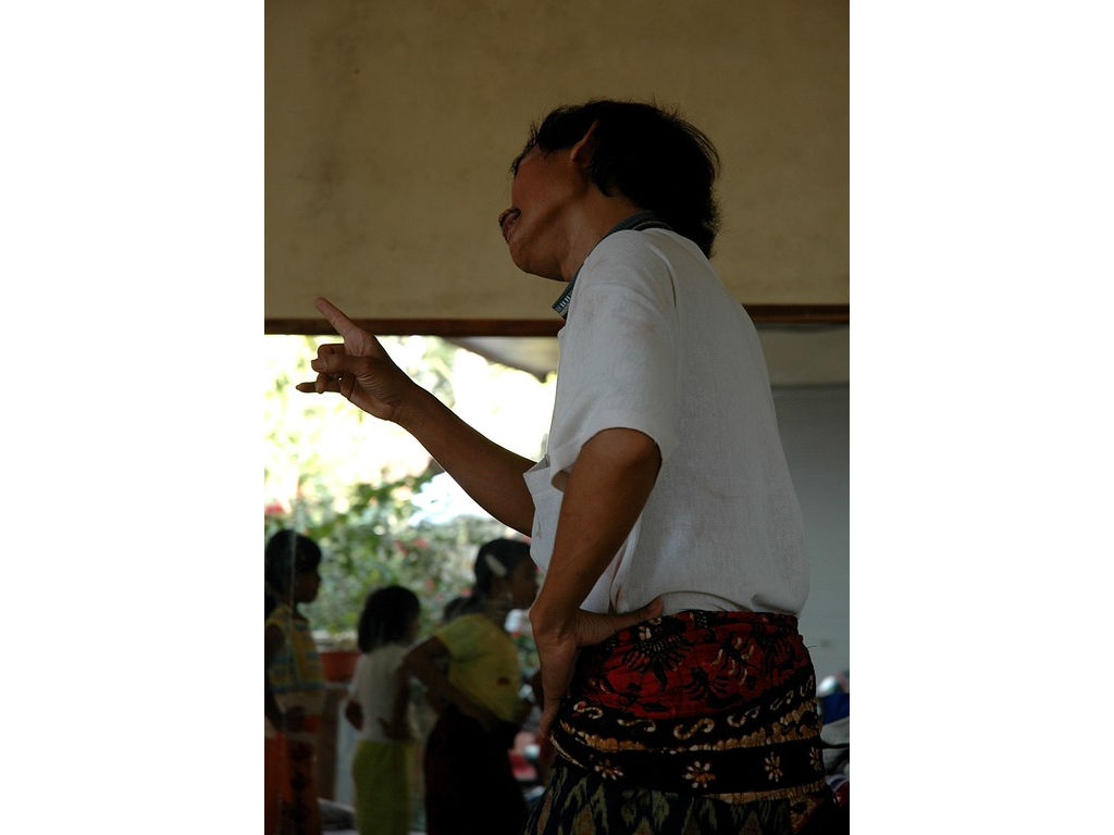 14-Ketut-headmovements.jpg