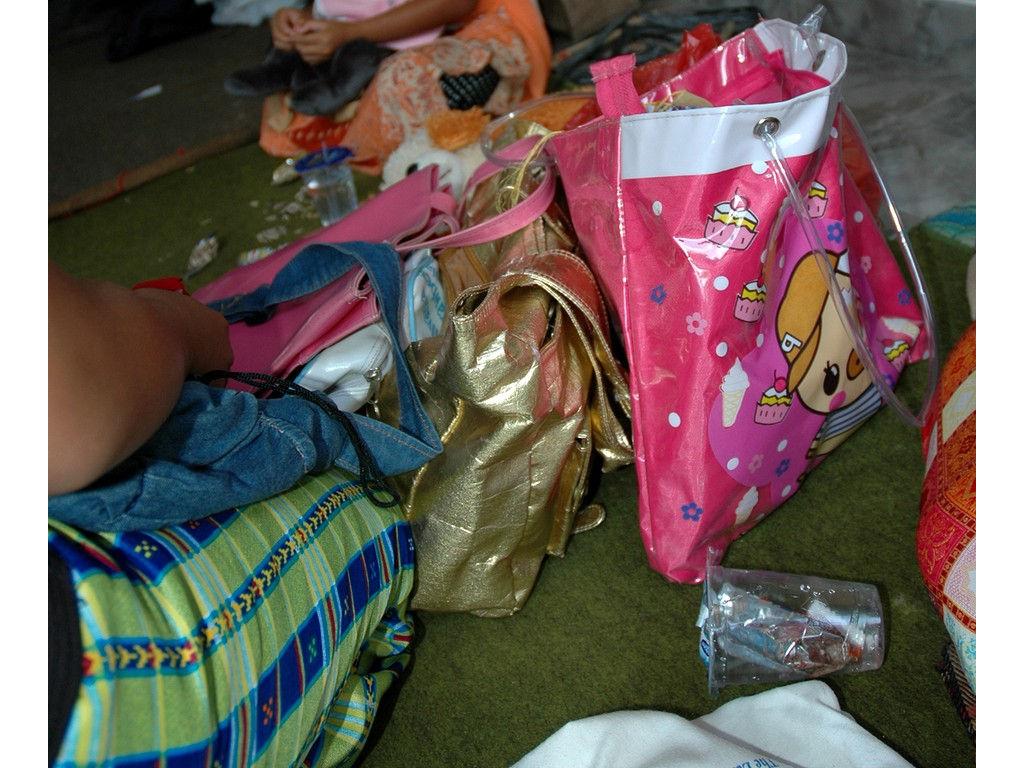 48-girls-bags.jpg