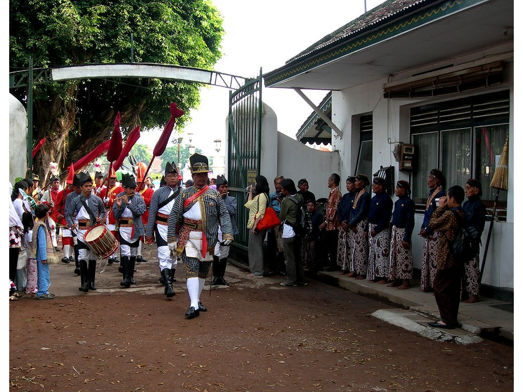 013-musicians-Ketanggung-drum-flutes.jpg