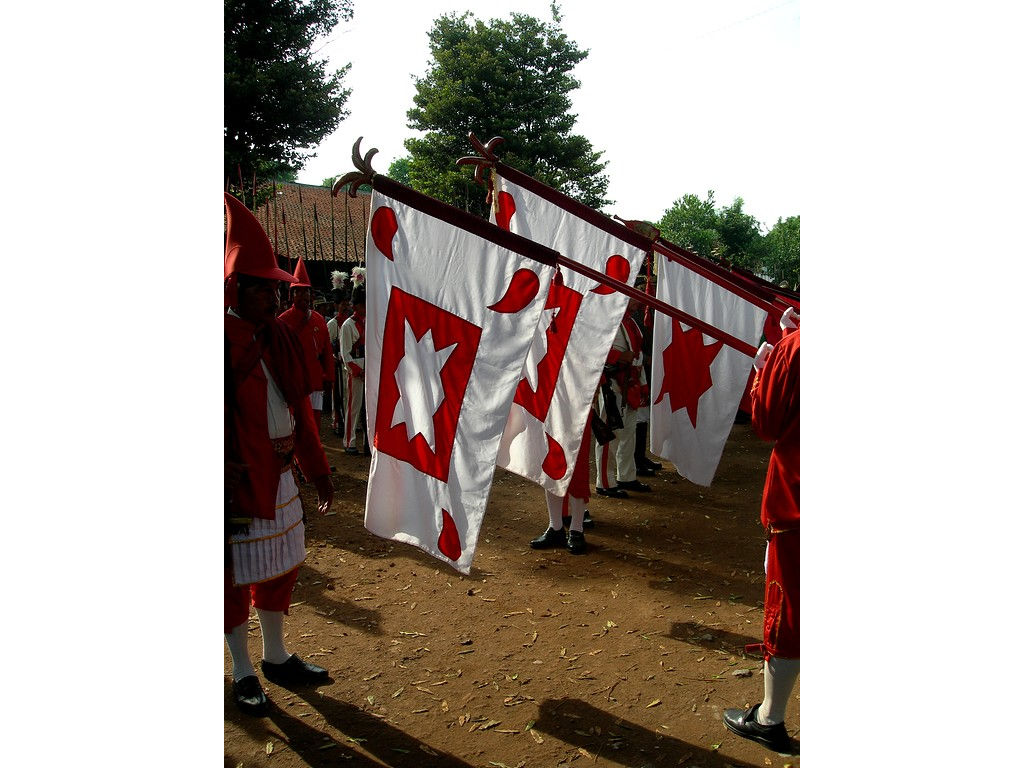 019-army-Wirobrojo-flagsopen-GulaKlapa.jpg