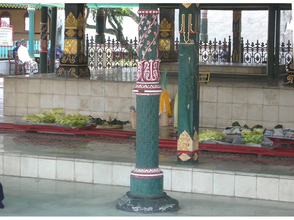 040-pavilion-pillars.jpg
