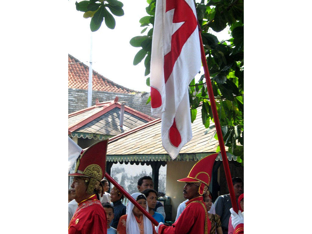 069-Wirobrojo-caps-flags-gulaklapa.jpg