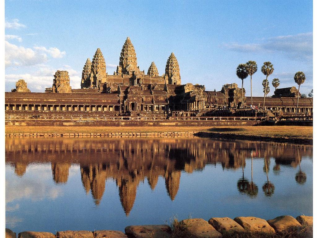 AngkorVat-overviewside.jpg