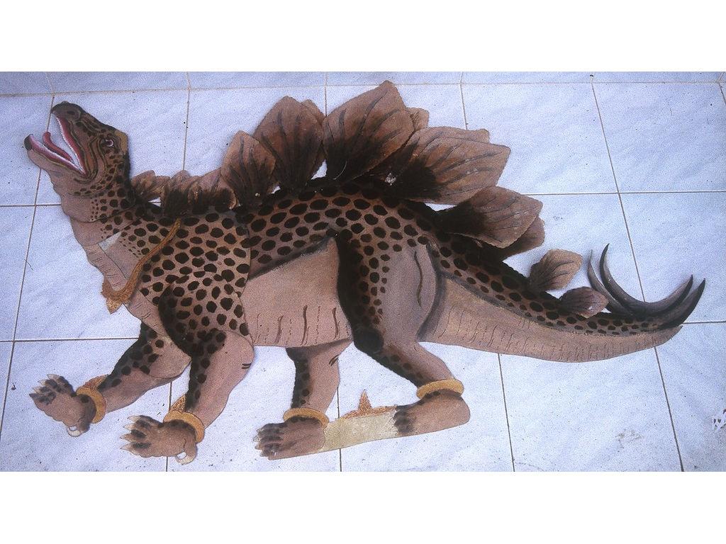 wayangDino-dynosaurus-Wija-1994.2.jpg