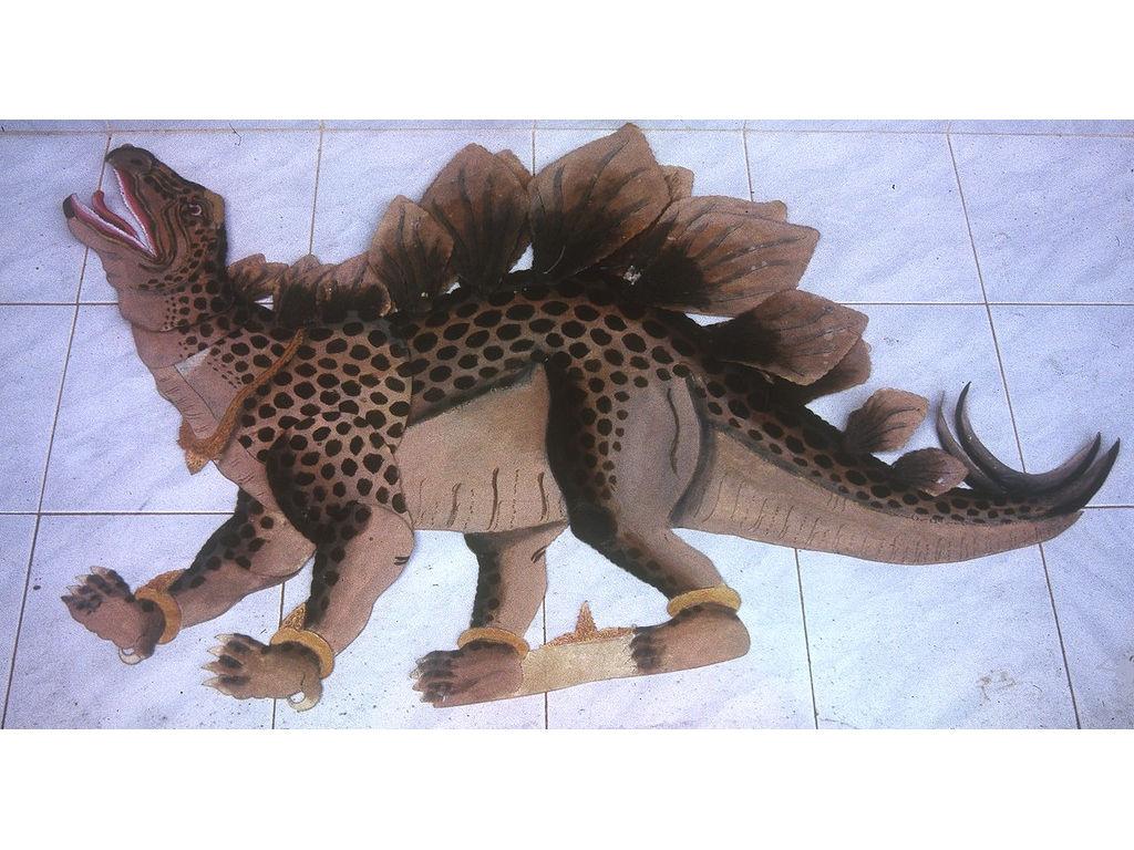 wayangDino-dynosaurus-Wija-1994.jpg
