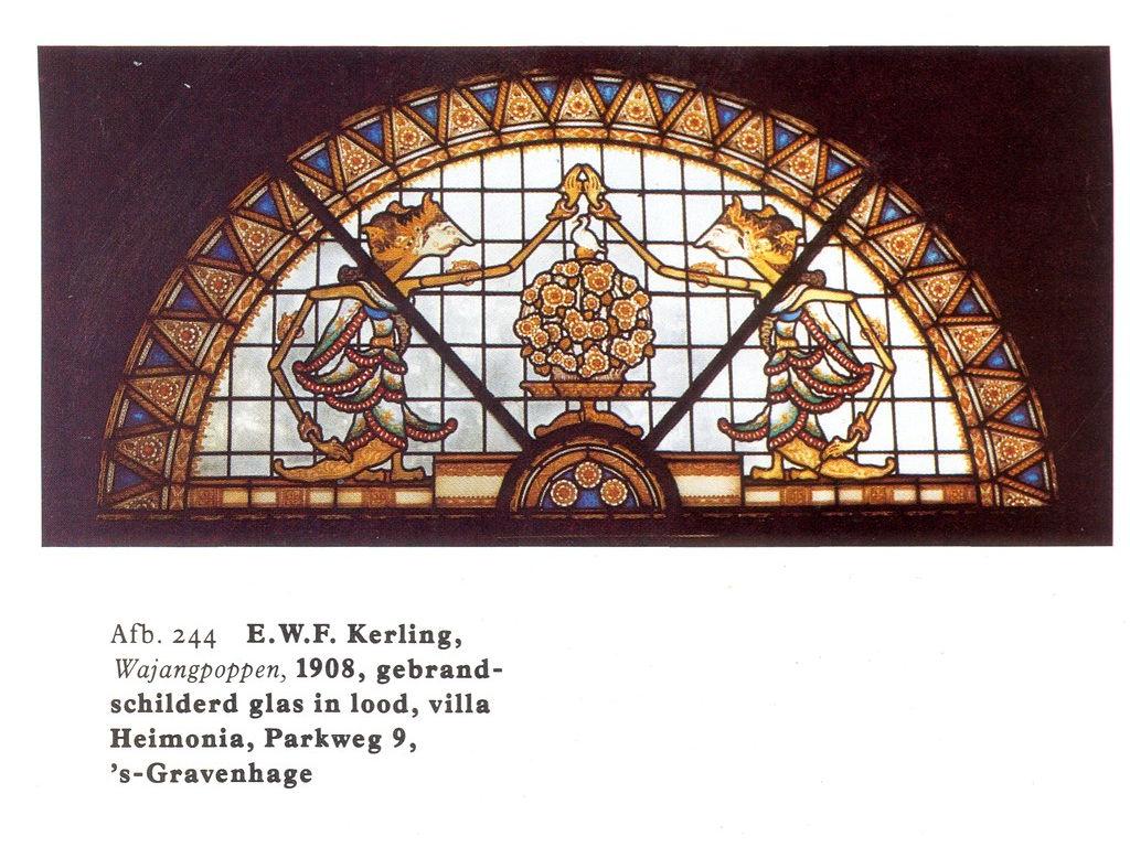 Kerling-glas-in-lood-wayangpoppen-1908.jpg