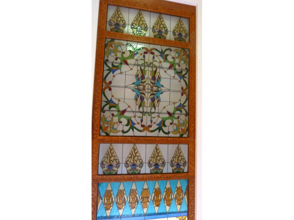 glass-window-resto-gunungan-floral-pattern-wayang-Toorop.jpg