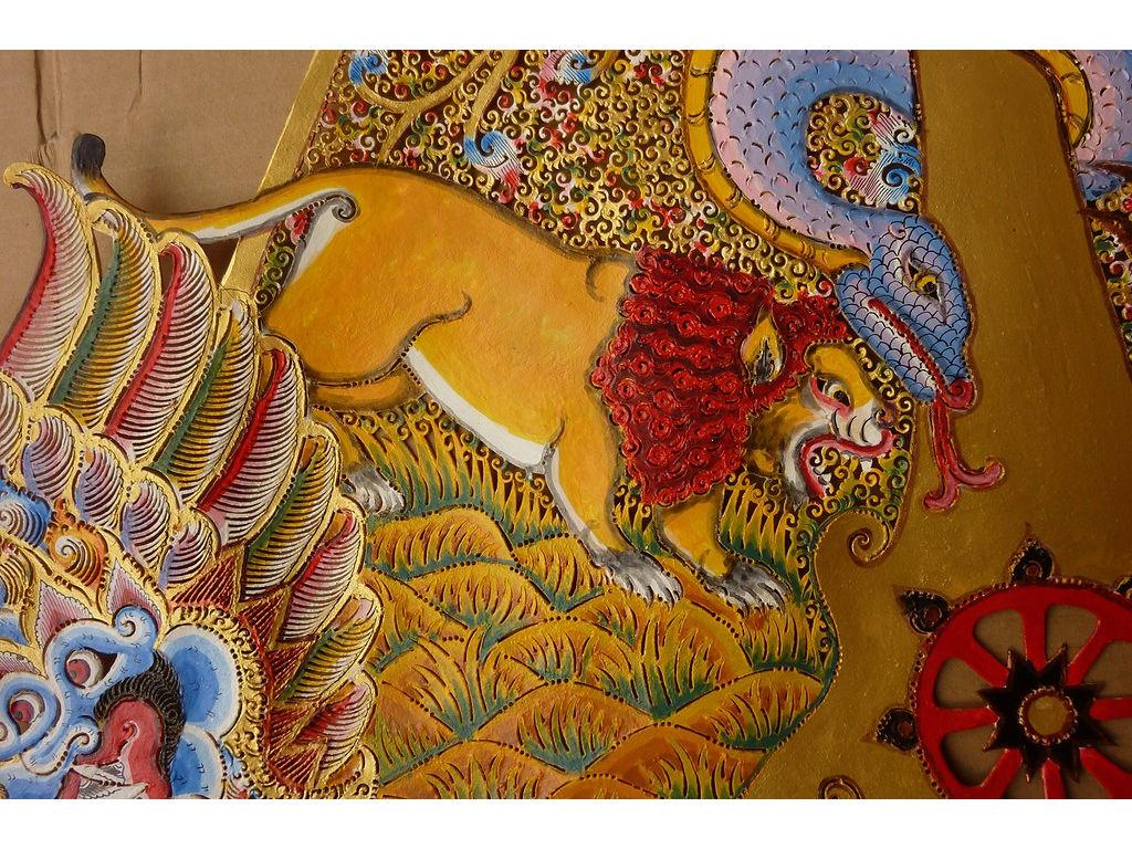 gunungan-I-Diponegoro-front-left-lion.jpg